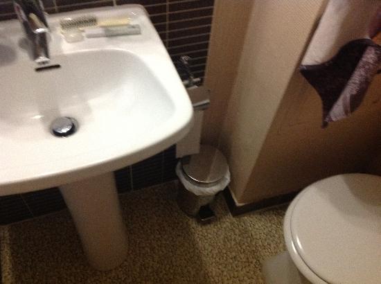 Hotel de France Quartier Latin: bagno della camera