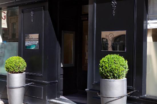 hotel le senat updated 2018 prices reviews paris. Black Bedroom Furniture Sets. Home Design Ideas
