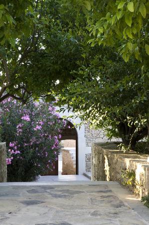 Kapsaliana Village Hotel: Entrance village