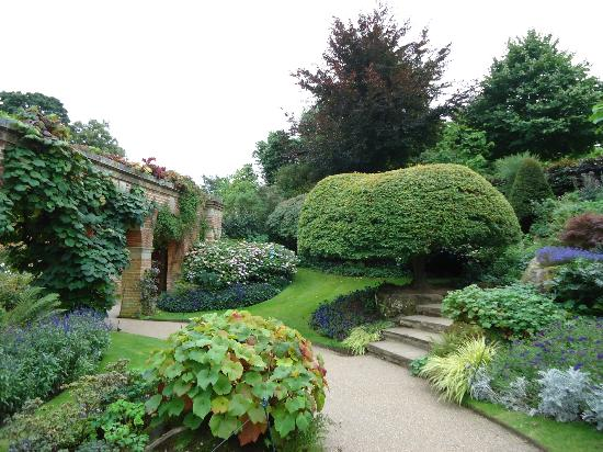 Hever Castle Bed and Breakfast: Gardens