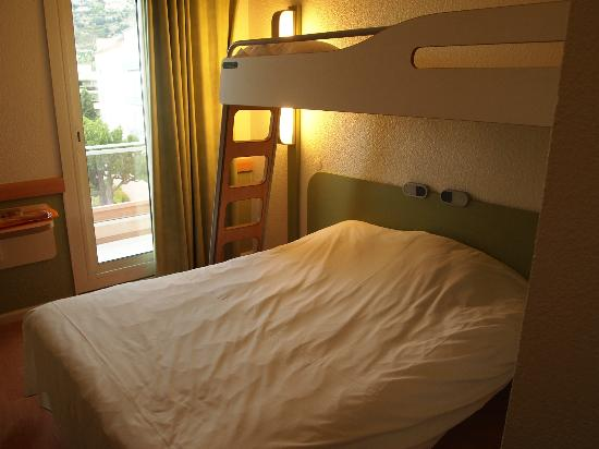 staines on the sheets photo de ibis budget menton menton tripadvisor. Black Bedroom Furniture Sets. Home Design Ideas