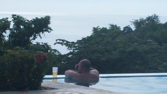 Orquidea del Sur : The view from the infinity edge pool