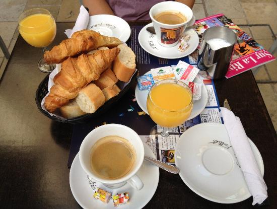 Food and Co Le: Petit déjeneur complet