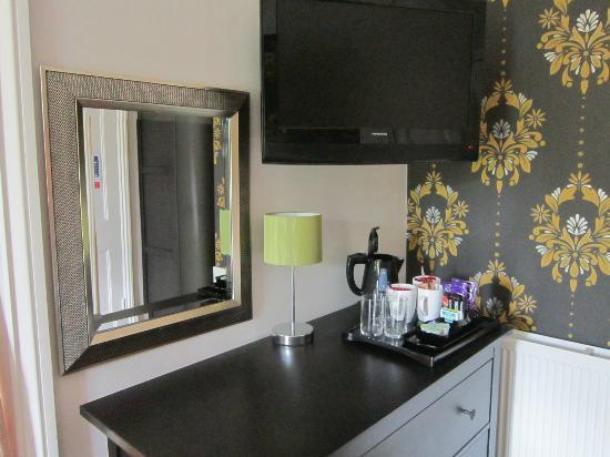 The Midland Hotel - Restaurant: hospitality tray and TV, Family Room (4)