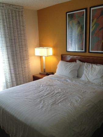 Residence Inn Parsippany: Bedroom