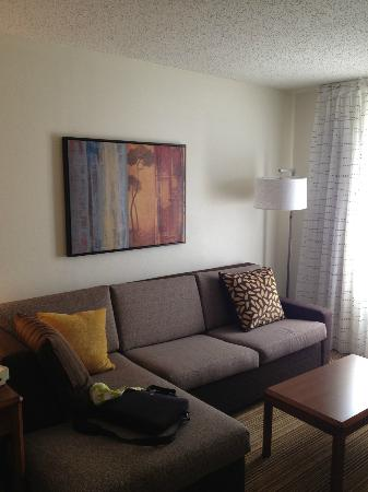 Parsippany, NJ: Living room area