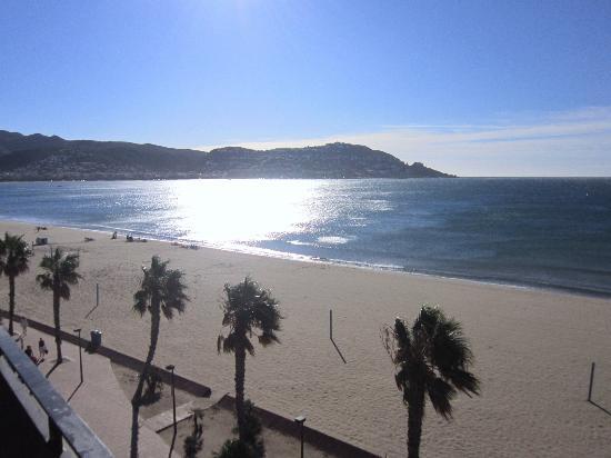 Hotel Montecarlo: LEVER DE SOLEIL SUR LA BAIE