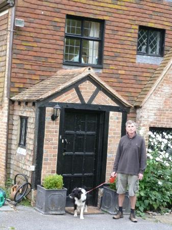Cleavers Lyng : Front door