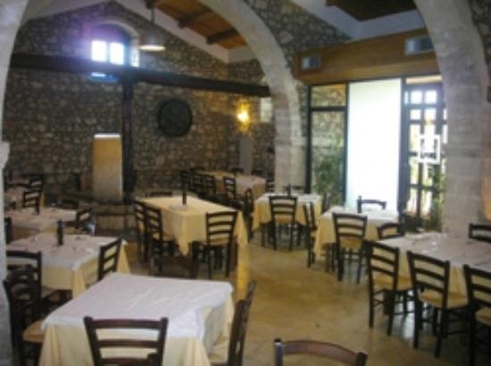 Rosolini, Italia: sala macina1