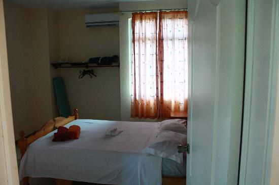 Oceanic Villa: спальня №1