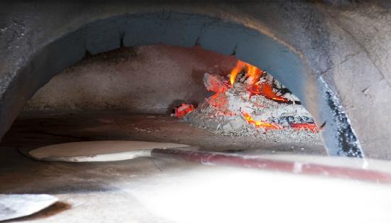 Restaurante Pizzeria L'Arcada: Horno de leña