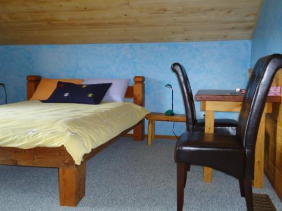 Tschurtschenthaler Lodge B and B: Room #1