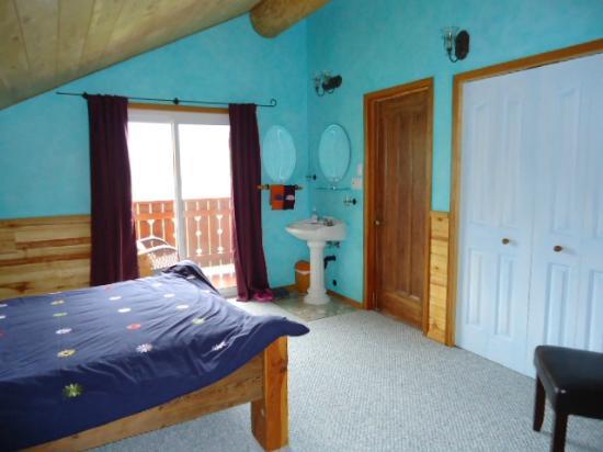 Tschurtschenthaler Lodge B and B: Room #2