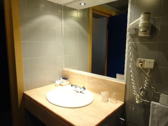 3k Barcelona Hotel: Baño