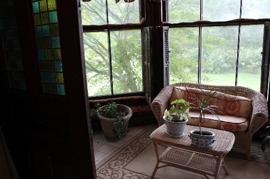 Firmstone Manor: Sun room