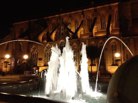 Mosaiq Restaurant & Wine Lounge: Wroclaw by night