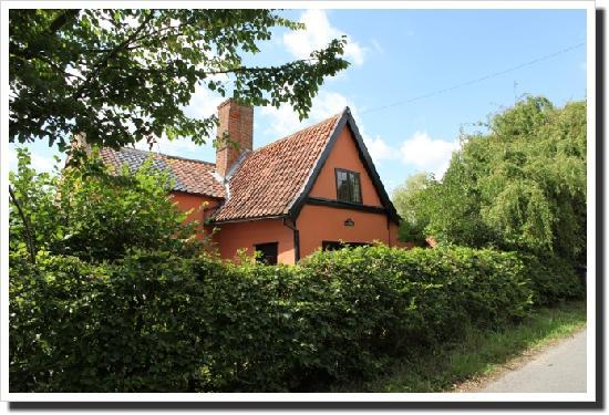 Foxhole B&B at Fox Cottage: getlstd_property_photo