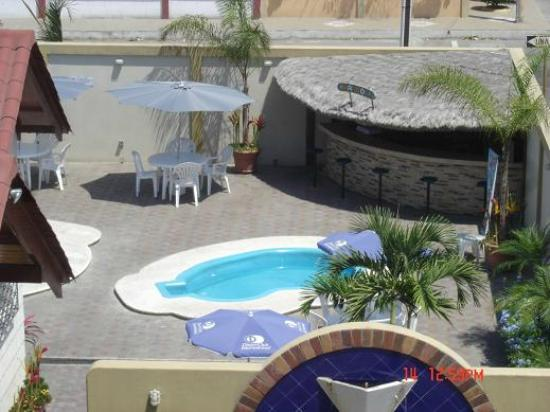 Foto de Hotel Chipipe, Salinas: area de piscina - duchas - TripAdvisor