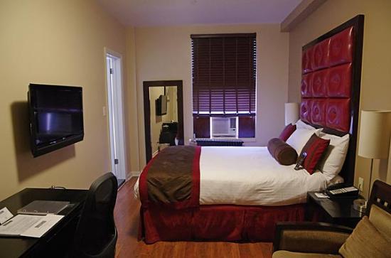 Hotel Belleclaire Deluxe Queen Room Picture Of Hotel Belleclaire