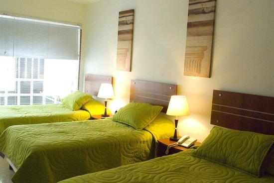 Hotel Estadio 63: Habitacion triple