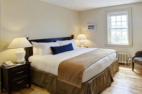 Keltic Lodge Resort & Spa: Main Lodge Guestroom