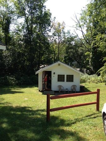 Weirs Beach, Nueva Hampshire: Dog friendly cabin