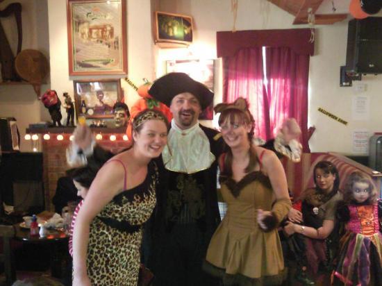 Leo's Tavern : Bartley & Staff enjoying Halloween