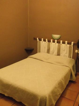 Hotel les Lavandes : Chambre