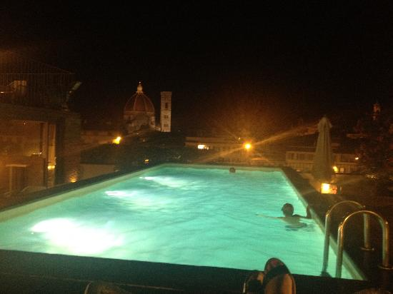 Grand Hotel Minerva: Pool at night - open until midnight