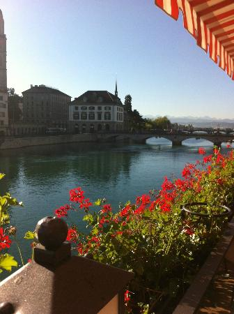 Storchen Zurich: View from the Breakfast-Terrace