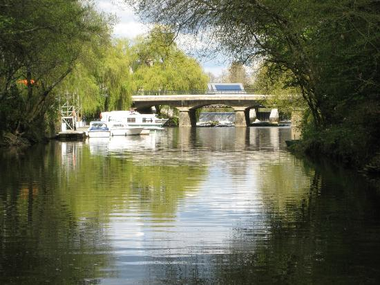 Day Boats: DAYBOATS La Gacilly Bridge