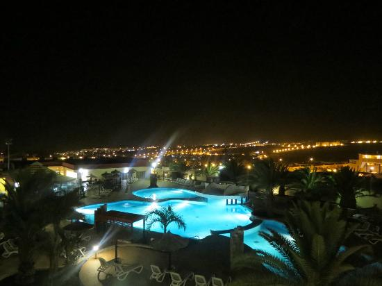 Best Age Fuerteventura: Pool by night