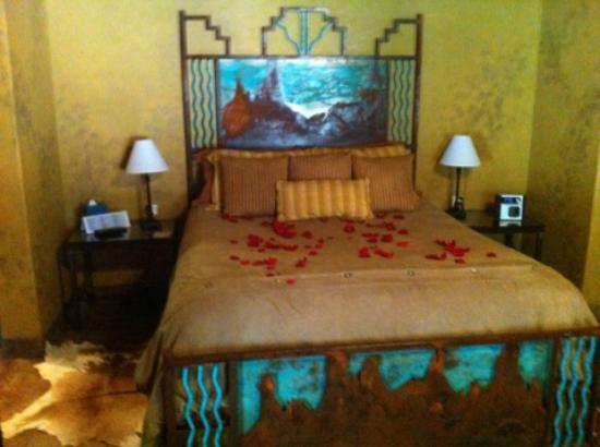 Adobe and Pines Inn B&B: Inside Puerta Cobre