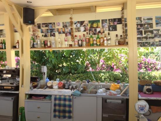 Limas Apartments: lille og hyggelig bar