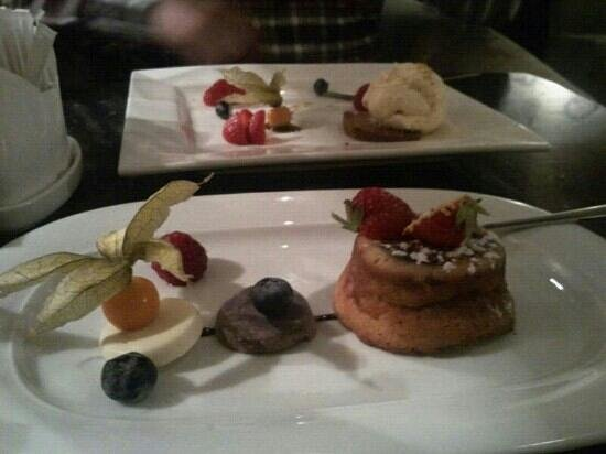 Hanza hotel : cheese cake for dessert