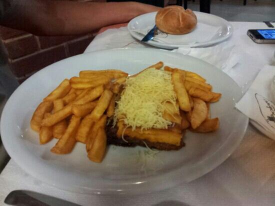 Bolero Restaurant: moussaka