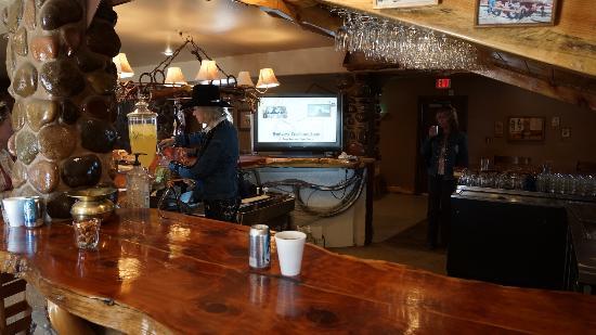 Winchester Steak House: Downstairs bar