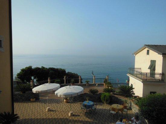 Cogoleto, Ιταλία: Vue depuis la terrasse d'une chambre... magnifique!