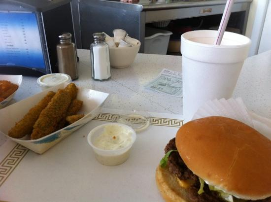 Clyde's Drive-In: the yummy meal