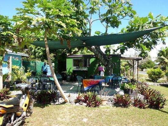 Kuku's Cafe : Kuku's Outside area