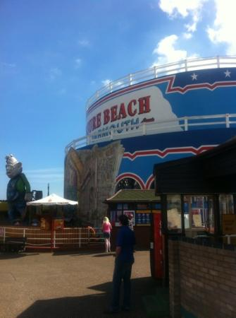 Belvedere Guest House: Pleasure Beach at Great Yarmouth.