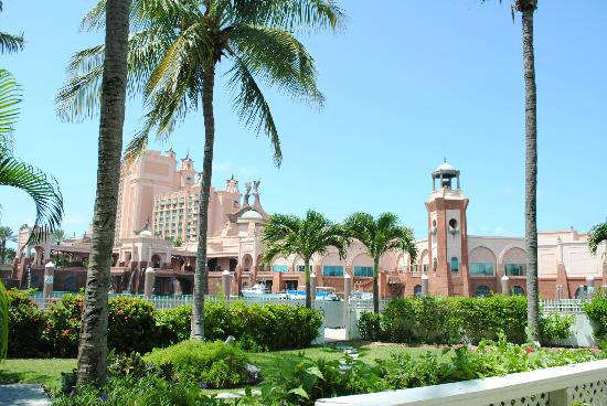Club Land'or Resort: Vew of Atlantis Royal towers outside our room