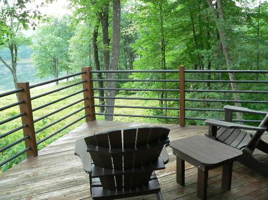 Canoe Bay: Private Deck