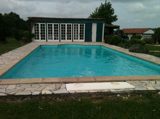 Ehaltzekoborda : la piscine