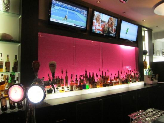 Hilton Montreal/Laval: Bar