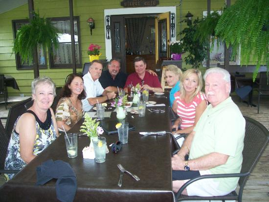 23 Steps Steak House: Four couples - no problem out on the covered patio!