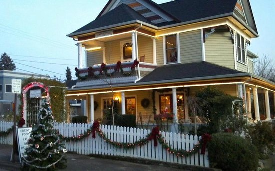 The Painted Lady Bed & Breakfast and Tea Room: Christmas at The Painted Lady