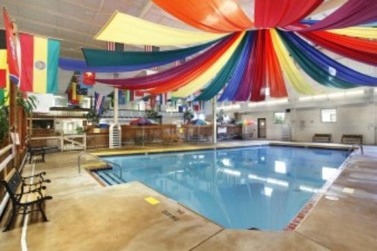 Days Inn Saint Louis/Lindbergh Boulevard: indoor pool