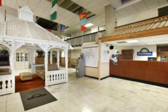 Days Inn ST. Louis Lindbergh Boulevard: lobby
