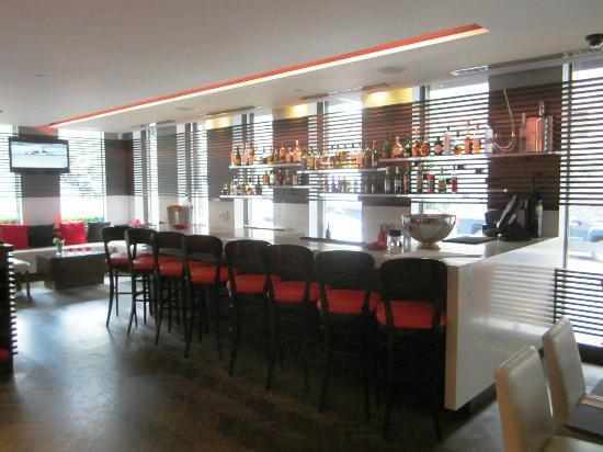 Le Meridien Versailles: RIDI Bar